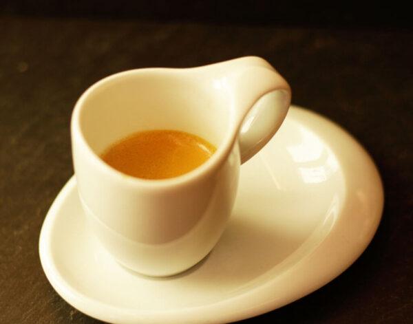 espresso_kaffee_tasse_Jetzer_Bäckerei_Konditorei_Basel_Café_Confiserie_Feinbäckerei_Catering_Apéro_Partyservice