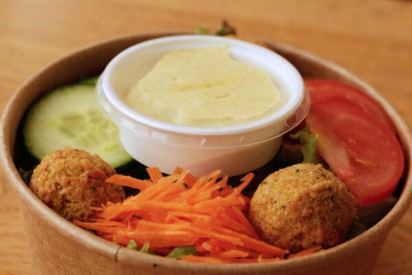 falafel-salat_Jetzer_Bäckerei_Konditorei_Basel_Café_Confiserie_Feinbäckerei_Catering_Apéro_Partyservice