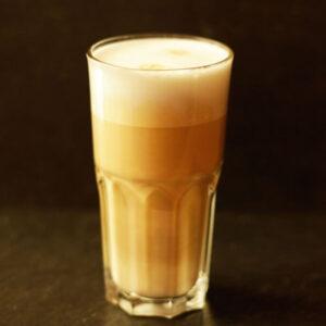 latte macchiato_Jetzer_Bäckerei_Konditorei_Basel_Café_Confiserie_Feinbäckerei_Catering_Apéro_Partyservice
