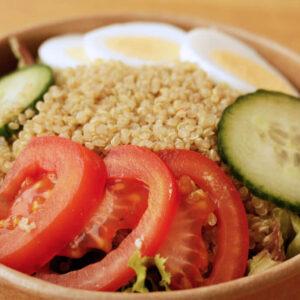 quinoa_salat_Jetzer_Bäckerei_Konditorei_Basel_Café_Confiserie_Feinbäckerei_Catering_Apéro_Partyservice