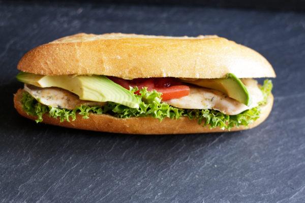 Sandwich_Poulet_Avocado_Parisettli_Bäckerei_Basel